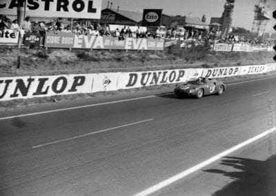 Chassis no. 0798 as seen at the 1962 24 Hours of Le Mans.