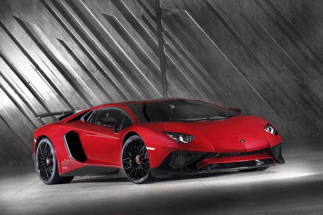 Lamborghini Aventador Lp 750-4 Superveloce Videos