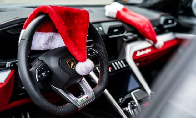 Lamborghini Christmas Drive – LM002 and Urus in Festive Mood
