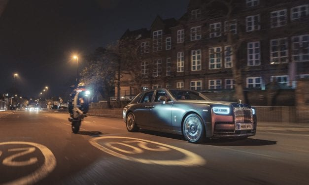 Stunning Photos Show True Beauty of Rolls-Royce Phantom