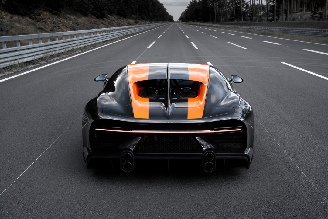 Bugatti Chiron Breaks the Magical 300mph Barrier